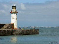 Whitehaven - harbour entrance (Row 17) Tags: uk gb greatbritain britain england cumbria whitehaven harbours harbour sea seascape seawall lighthouse breakwater coast coastal architecture