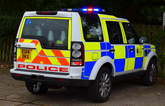 Essex Police   Land Rover Discovery   Roads Policing Unit   QT95   EU14 DKX (Chris' 999 Pics) Tags: essex police traffic car rpu roads policing unit anpr emergency response vehicle 999 112 protect protection law enforcement land rover discovery eu14dkx