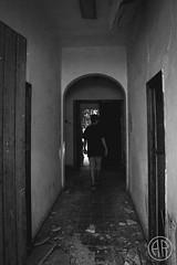 Vivienda abandonada (alexrf96) Tags: alexrf96 aleruiz alexruiz alejandroruiz alejandroruizfernándezdeangulo photo photograph foto fotografía canon canonista sevilla seville andalucía andalusia españa spain eltorbiscal abandono abandonado puebloabandonado urbex urbanexploration abandoned retrato portrait robado stolen retratorobado stolenportrait blancoynegro blanconegro blackandwhite blackwhite casa house casaabandonada abandonedhouse pasillo corridor door puerta ruins ruinas urbexsevilla sevillaurbex sevillaabandoned