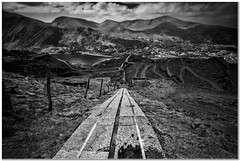 An incline view (Hugh Stanton) Tags: carriage way fence line mountains quarry appicoftheweek