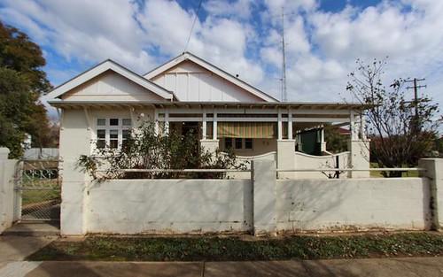 52 Hoskins Street, Temora NSW