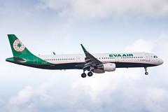 EVA AIR A321(WL) B-16221 002 (A.S. Kevin N.V.M.M. Chung) Tags: aviation aeroplane aircraft jet plane macauinternationalairport spotting airbus evaair beacon