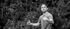Thumbs up. (Alex-de-Haas) Tags: 70200mm bootcamprun d5 dutch dutchies geestmerambacht holland langedijk nederland nederlands nikkor nikon noordholland bootcamp candid conquering dirt dirty endurance evenement event fit fitdutchies fitness fun hardlopen joggen jogging mensen modder mud obstacle obstakel overwinnen people plezier recreatie recreation rennen renner renners run runner runners running sport sportief sportiviteit sporty summer team teamspirit teamgeest vies volharding zomer