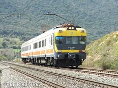 Obispo por Ameyugo (pedrolillas) Tags: renfe ameyugo regional obispo 432 línea100 burgos railfan railroad ferrocarril