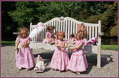Der Sonnentanz ... der Kindergartenkinder ... (Kindergartenkinder) Tags: schlossanholt annemoni milina dolls himstedt annette park kindergartenkinder sommer wasserburg margie isselburg tivi sanrike