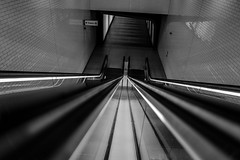 9728 (Panda1339) Tags: 28mm kingscross summiluxq london ldn leicaq undergroundstation shadow monochrome escalators blackandwhite uk light reflectionsonthewalls symmetry architecture indoors lines
