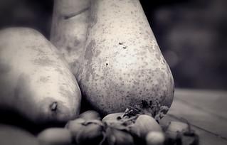 hazelnuts & pears