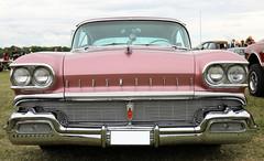 1958 Oldsmobile Ninety Eight (crusaderstgeorge) Tags: crusaderstgeorge classiccars cars carmeet 1958oldsmobileninetyeight 1958 oldsmobile ninety eight americancars americanclassiccars americancarsinsweden sweden sverige västerås västeråssummermeet vsm2017 pinkcars chrome landcruiser