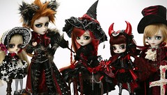 Monster night series _ The Mansion of immortal (Lunalila1) Tags: doll groove release 2013 monster night series themansionofimmortal witch demon vampir wolf gothic familly group taeyang valko dal lyla pullip wilhelmina isul vermelho byul