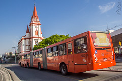 Igreja do Portão (Pedro Sena Melo) Tags: curitiba paraná brasil brazil igreja church onibus biarticulado bus