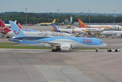 G-TUIC - TUI Airlines UK Boeing 787 Dreamliner (✈ Adam_Ryan ✈) Tags: man egcc manchesterairport manchesterairportlevel13 level13multistoreycarpark t1 nikon nikond5200 55300mm september 2017 avgeek aviation airport tui thomsonairways boeing boeing787dreamliner gtuic