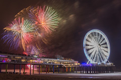 International Fireworks Festival @ Scheveningen (hanneketravels) Tags: zuidholland scheveningen fireworks beach netherlands pier denhaag nederland internationalfireworksfestival festival summer