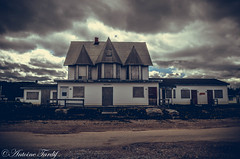 Vibert-Motel (Antoine Tardif Photography) Tags: vibert motel gaspésie canada rusty house sky ciel nice sweet dark freak bizzard étrange