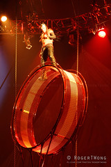 20170804-183-Kooza by Cirque du Soleil - rotating wheels (Roger T Wong) Tags: 2017 asia cirquedusoleil kooza rogertwong sel70300g singapore sony70300 sonya7ii sonyalpha7ii sonyfe70300mmf2556goss sonyilce7m2 wheelofdeath acrobats circus holiday performers rotate travel