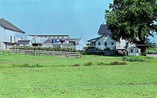 amish farmhouse