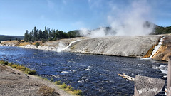 20160911_101733_1 (pleroma_4_all) Tags: yellowstone yellowstonenationalpark oldfaithful nature zen beauty naturebeauty landscapes nationalparks usa wyoming wolves bears bison buffalo foxes mountains hiking outdoors grandteton tetons geysers grandprismatic springs