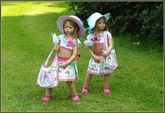 Bellis und Jinka ... (Kindergartenkinder) Tags: wasserschlosslembeck jinka bellis dolls himstedt annette park blume garten kindergartenkinder personen blumen sommer