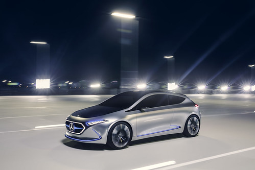 "Mercedes-Benz Concept EQA <a style=""margin-left:10px; font-size:0.8em;"" href=""http://www.flickr.com/photos/128385163@N04/36787482550/"" target=""_blank"">@flickr</a>"