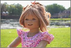 Tivi ... wie ein Sonnenschein ... (Kindergartenkinder) Tags: schlossanholt dolls himstedt annette park kindergartenkinder sommer wasserburg tivi personen isselburg garten porträt