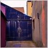 colores-en-aberystwyth (KZRES - José Miguel Romero) Tags: aberystwyth gales wales cymru color abstracto arquitectura proporción unitedkingdon uk allfreepicturesseptember2017challenge colour purple blue yellow