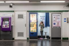 Barbés (yovo) Tags: personne photo photomaton lieu metro famille ambre paris îledefrance france fr