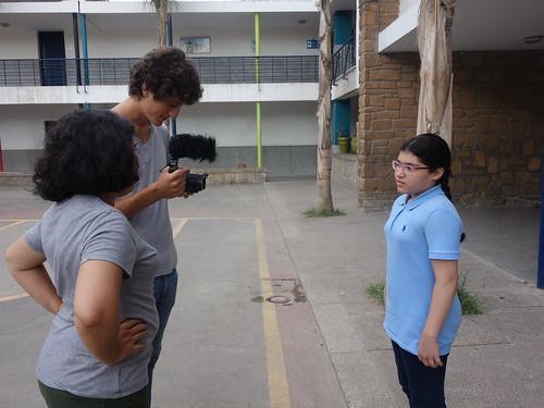 La directrice de l'école et Guillaume, en plein interview!