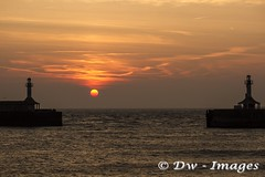 Lowestoft A new day  25.09.17....6_wm (madmax557) Tags: lowestoft uk england eastanglia earlymorning sunrise suffolk suffolkcoast anewday startofanewday