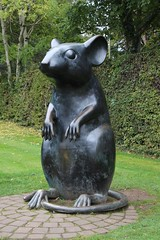 Wee, sleekit, cow'rin, tim'rous beastie (ruthlesscrab) Tags: burns ayr scotland haggis mouse sculpture