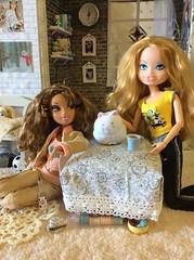 Bratz Head +Barbie Body + Myscene clothes / Wilco Head+ Liv Body + Myscene clothes (The Dollhouse of Usher) Tags: clothes myscene wilco hybrid swap head body liv dollhouse doll barbie sasha bratz