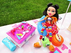 Sleepover Jade (flores272) Tags: bratz bratzclothing bratzdoll bratzsleepoverjade barbiefurniture doll dolls toy toys dollclothing