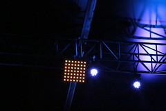 Light blue and white square (Pi-F) Tags: lumière spectacle bleu spot projecteur carré blanc ampoule led montage eclairage structure métalique support
