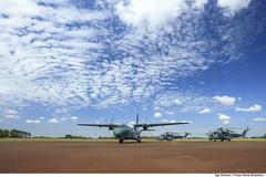 C-105 e AH-2 Sabre (Força Aérea Brasileira - Página Oficial) Tags: 2017 ah2sabre aeronave brazilianairforce eadscasac105amazonas fab forcaaereabrasileira fotojohnsonbarros helicoptero matogrossodosul brazil