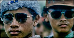 l'agresividad (yvesgalland) Tags: amériquedusud nicaragua managua 1980 alphabetizacion cruzada