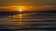 Sunset Bar Code (Ignacio M. Jiménez) Tags: ignaciomjiménez playa beach atardecer sunset arena sand agua water mar sea puntaumbria huelva andalucia andalusia españa spain scape paisaje gente people tufototureto matchpointwinner mpt568