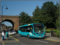 Arriva 4280, Strood (Jason 87030) Tags: arriva southerncountis arch bridge railway strood medway streellite wright wrightbus urban gn14dxy 4280 gillingham 191 chatham vehicle august 2017 ladies women dress color colour blue turquoise aldi sony alpha a6000 ilce nex universities northst street lighting sunny summer