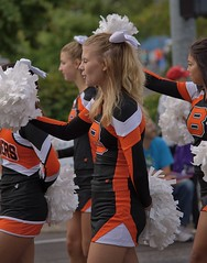 Cheers (swong95765) Tags: girls cheerleaders highschool parade pretty blonde cute uniform
