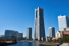 ランドマークタワー / Landmark Tower (yiming1218) Tags: yokohama 橫濱 横浜 横浜市 港灣未來 21 港未來 みなとみらい mm21 關東 日本 kanto japan 海 sea 碼頭 赤レンガ倉庫 landmark ランドマークタワー nightscape night 城市 city cityscape blue sel2470gm sony 櫻木町 tower nightview gmaster landmarktower a7rm2 a7r2 architecture japanese