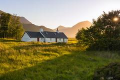 Blackrock cottage (germano manganaro) Tags: scotland scozia écosse escocia shottland highlands glencoe blackrockcottage glencoemountain glencoevalley sunset coucherdesoleil puestadelsol tramonto stobdearg buachailleetivemor ruby5 ruby10