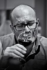 Emanuelle : TD Paris. (sdupimages) Tags: eurostar homme man bw nb noirblanc blackwhite portrait wine vin