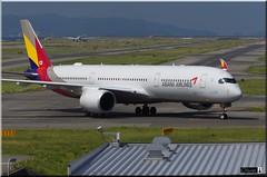 HL8078, Asiana Airlines, Airbus A350-941 (OlivierBo35) Tags: osaka kansai kix airbus a350 asiana