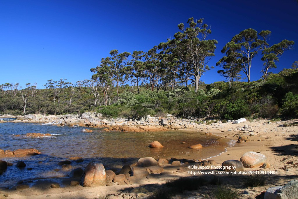 The world 39 s best photos of bay and tasmania flickr hive mind for Landscaping rocks tasmania