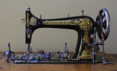 Refurbishment  - full view (done by deb) Tags: miniatures miniaturepeople miniaturefigurines preiser hofigurines sewingmachine treadlesewingmachine singersewingmachine