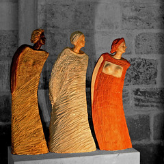 Trois Femmes, Troyes (pom.angers) Tags: canoneos400ddigital july 2017 troyes aube 10 champagne grandest art sculpture statue 21thcentury christianeboone religion church troisfemmes france europeanunion 100 cathédralesaintpierreetsaintpaul woman women 150 200 300