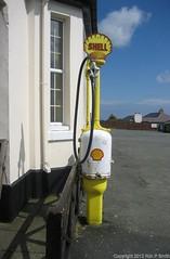 120419c007 (liverpolitan.) Tags: old shell pump cregnybaa onchan parish isleofman creg ny baa rock cow fuel fuelpump