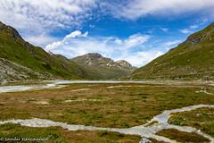 Val de Moiry at Lac de Châteaupré (Unliving Sava) Tags: moiry wallis summer alps mountains lacdechâteaupré zwitserland switzerland2017 hiking switzerland valdanniviers schweiz suisse valais alpen valdemoiry grimentz ch