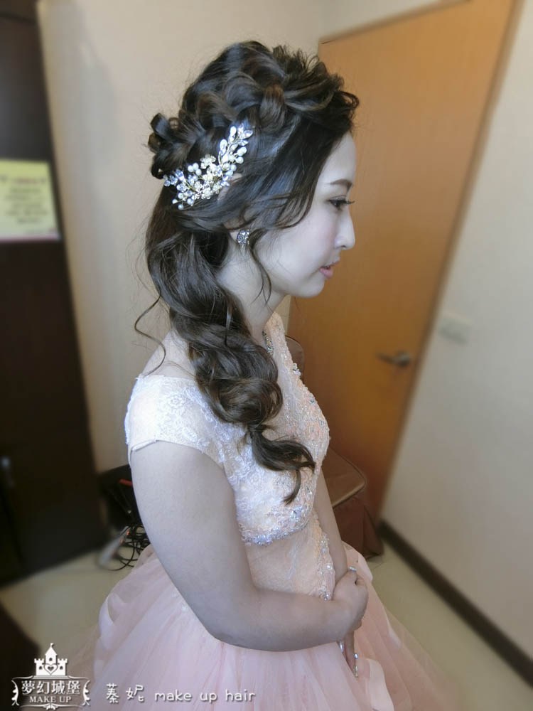 【新秘蓁妮】bride怡靜 歸寧造型 / 大里大和屋婚宴會館