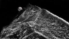 la montaña de la luna (wuploteg1) Tags: montañas montaña luna boltaña sobrarbe boltana aragón aragon altoaragón altoaragon mountain pirineos pirineo huesca pyrenees moon