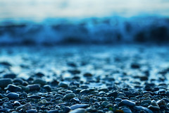 Tiny Pebbles (flashfix) Tags: september112017 2017inphotos nikond7100 nikon 50mm sigma1450mm victoria bc canada britishcolumbia portrait ocean pacificocean water rocks pebbles bokeh nature wave lagoon juandefuca mothernature albertheadlagoon metchosin