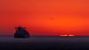 Resplandor (Carpetovetón) Tags: gasero amanecer castro castrourdiales buque barco mercante navío mar marina marcantábrico cantábrico abra abradebilbao nikon nikond200 d200 sigma sigma120400 españa cantabria paisaje cielo costa colores agua océano gaviota