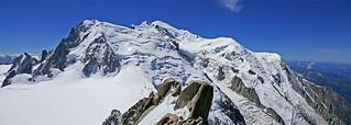 Le Mont Blanc (4808m) depuis la terrasse supérieure de l'Aiguille du Midi (3842m)